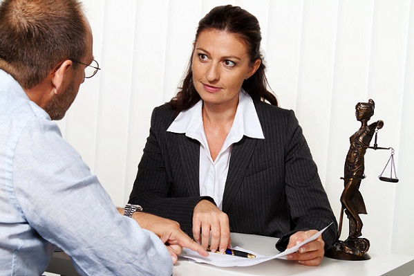Saving Money When Hiring a Lawyer